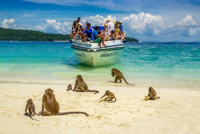 Манки Бич (Monkey Beach)