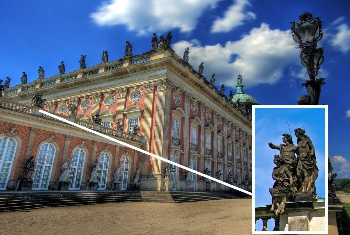 Статуи богов на крыше дворца