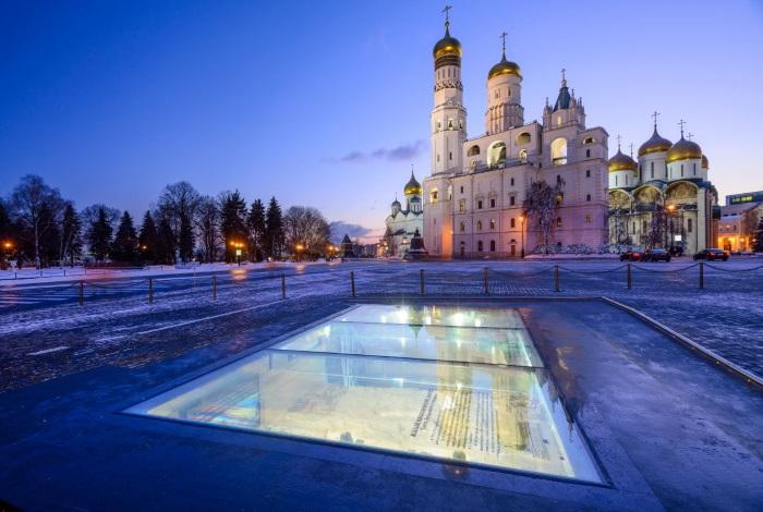 Археологические окна на Ивановской площади