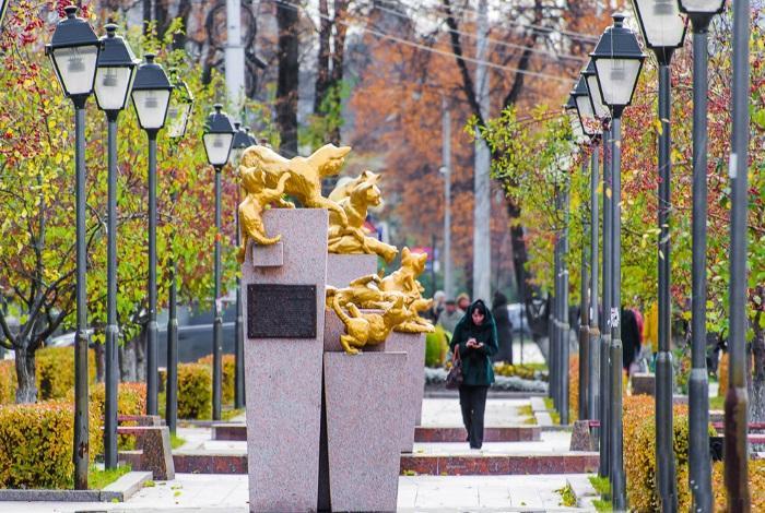 Сквер сибирских кошек