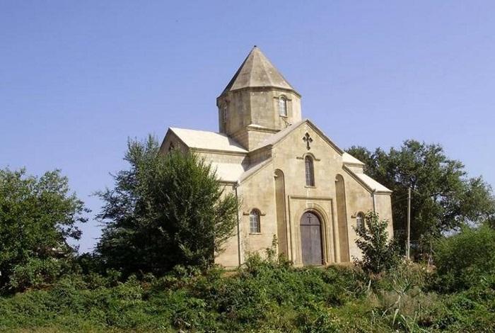 Албанский храм в Нюгди