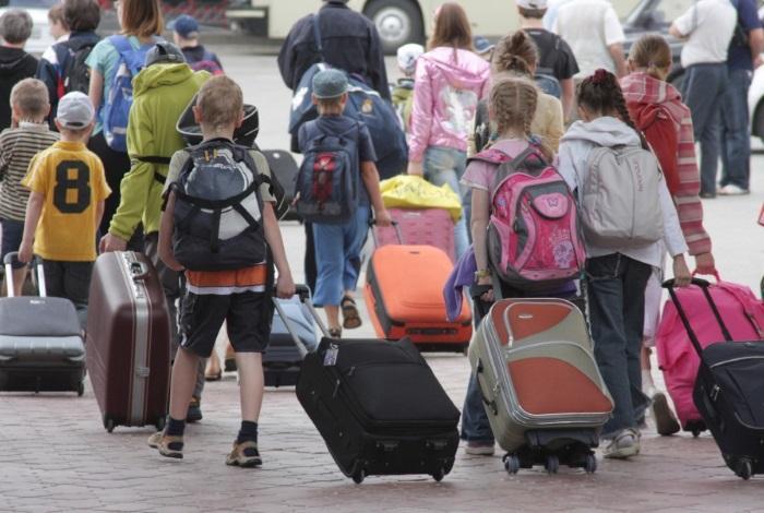 Дети едут в лагерь
