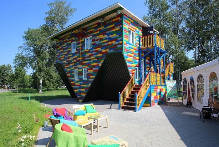Дом наоборот Санкт-Петербург