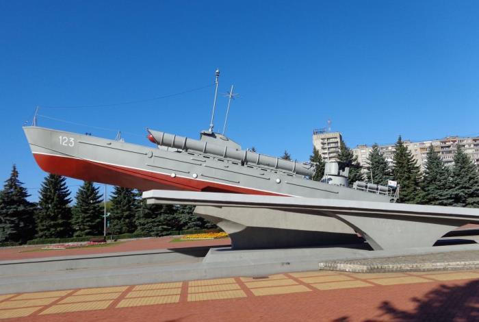 Памятник морякам-балтийцам