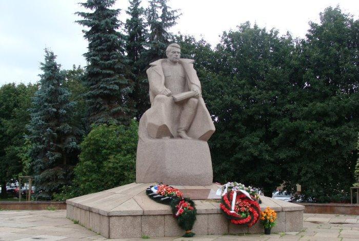 Памятник маршалу Василевскому