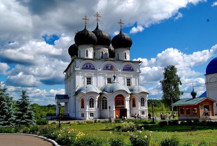 Успенский Трифонов монастырь