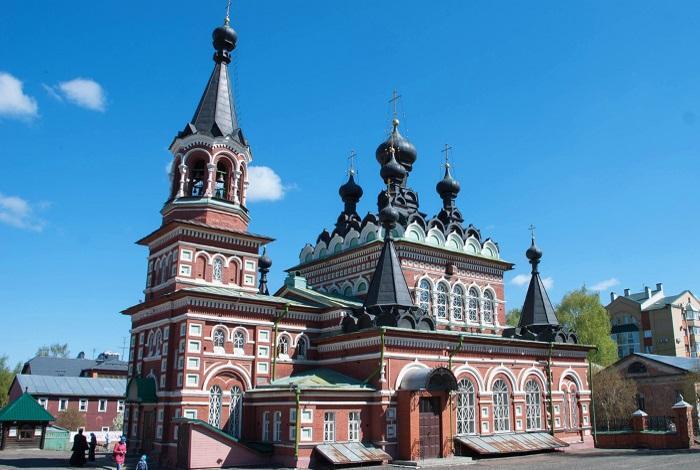 Свято-Серафимовский собор в Кирове