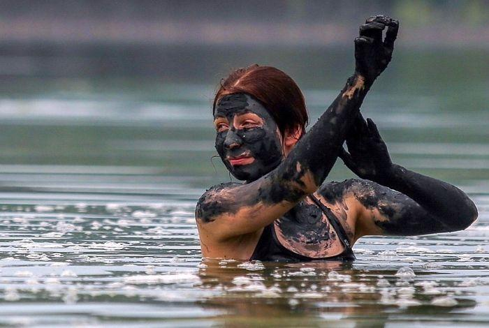 Лечебные грязи озера Тамбукан