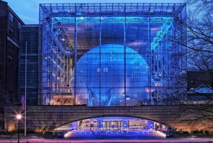 Центр изучения Земли и Космоса в Роуз Центр