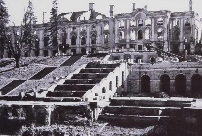 Большой Петергофский дворец после войны
