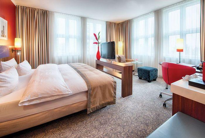 "Комната 4-звездочного ""Leonardo Royal Hotel Berlin Alexanderplatz"""