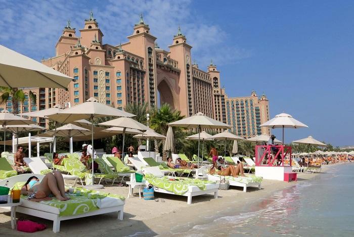 Пляж отеля Atlantis