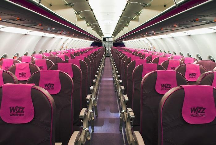 Салон самолета от Wizz air