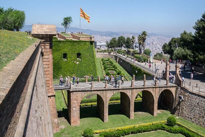 Монжуикская крепость
