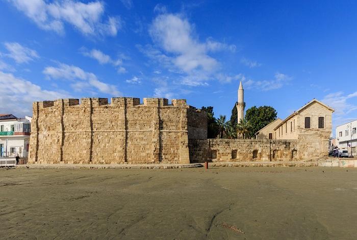 Ларнакский замок