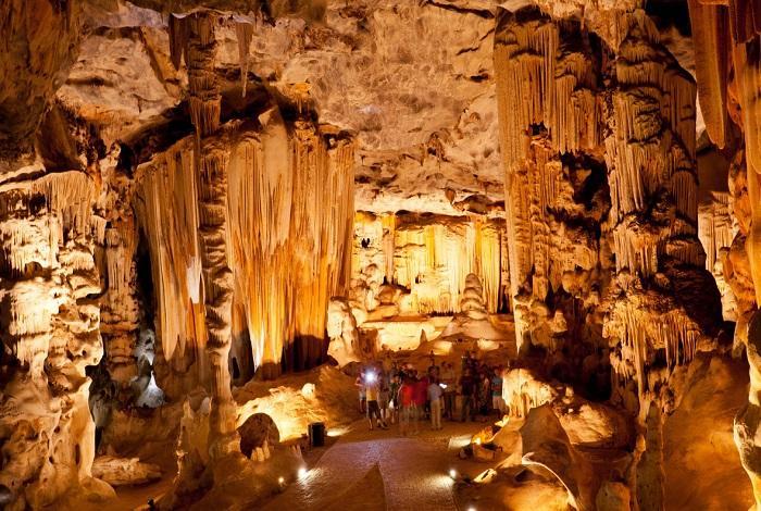 Пещеры Канго