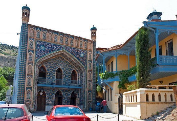 Серные бани Тбилиси в старом городе