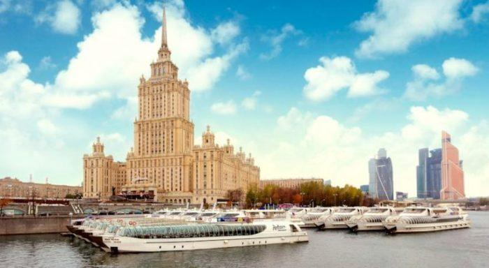 Круизы по Москве-реке с флотилией «Рэдиссон»